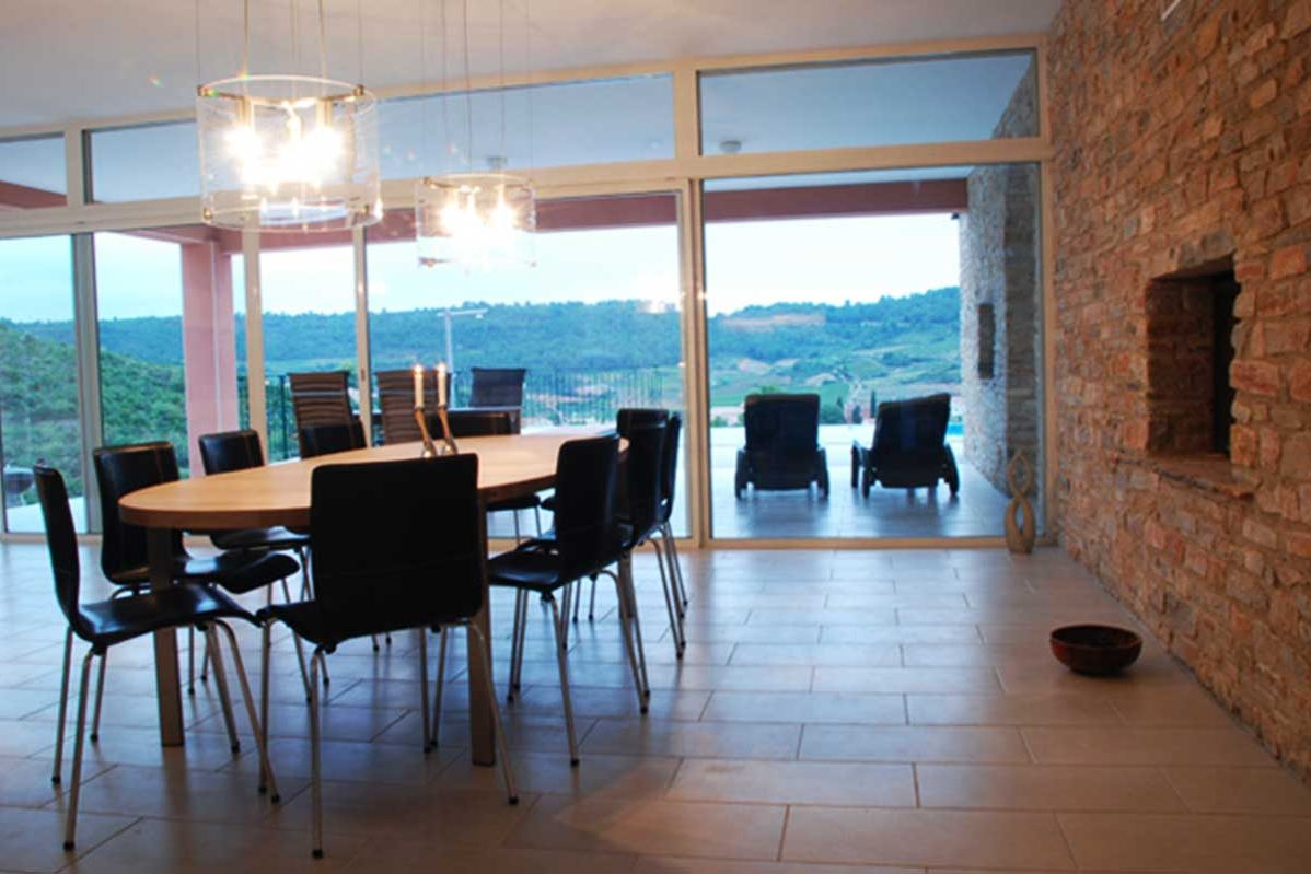 Dinning room with a view over the valley